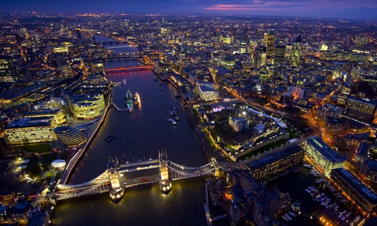 A bird's eye view of downtown London at night.