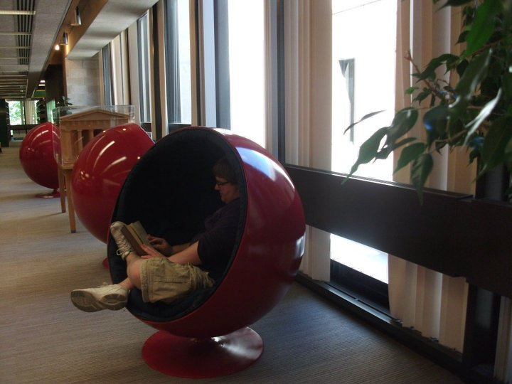 Though They May Look Odd And Uncomfortable, Womb Chairs Are The Most  Amazing Chairs Ever. They Are Much More Conducive To Napping Than They Are  To Studying, ...