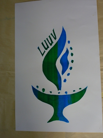 An Luuv logo with green and blue stripes