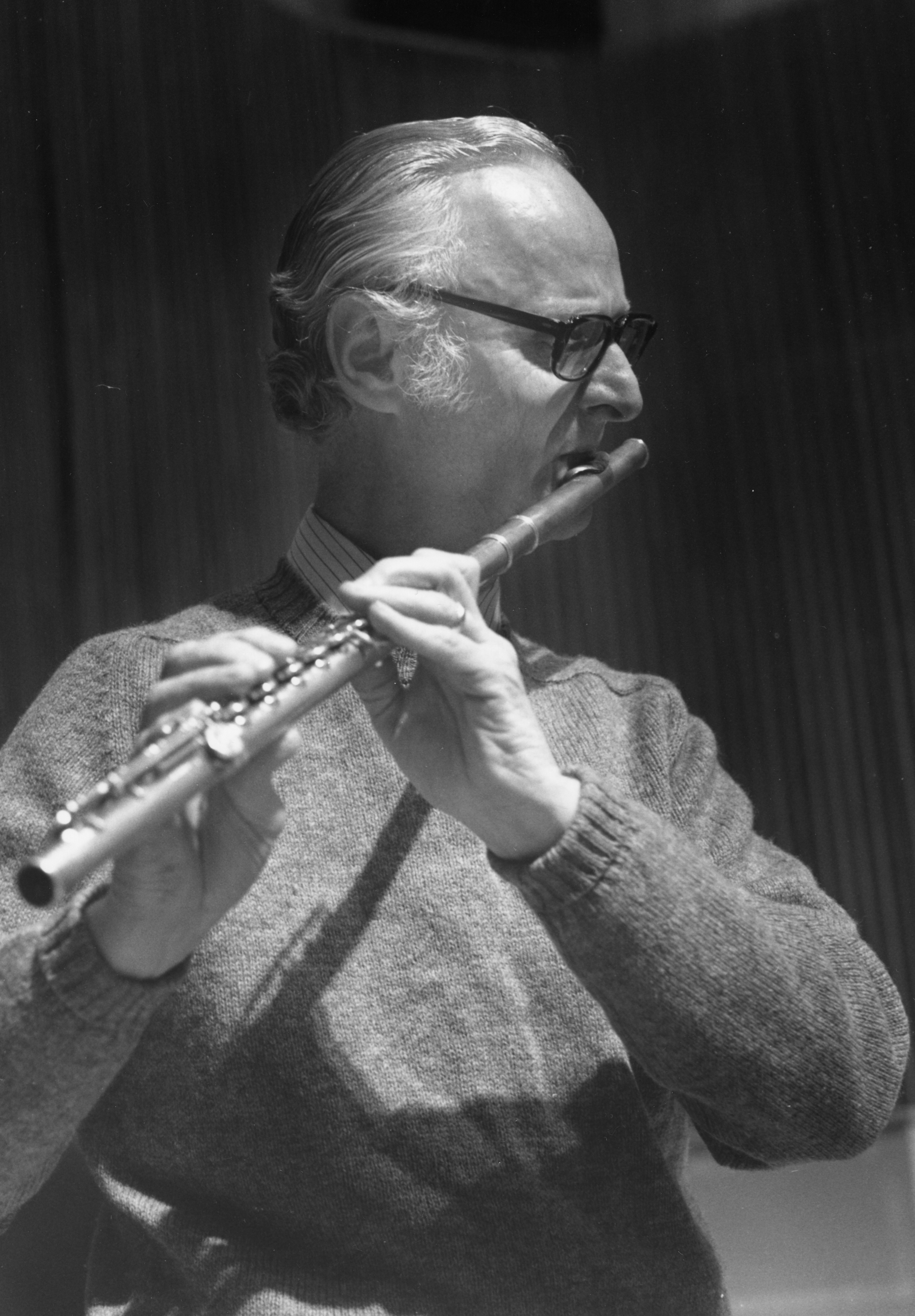 photo of Robert Willoughby playing