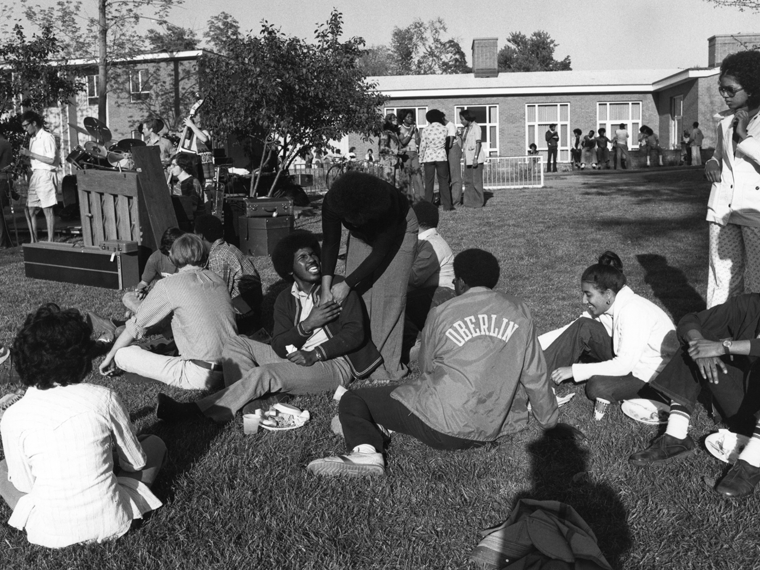Afro-American House lawn with students