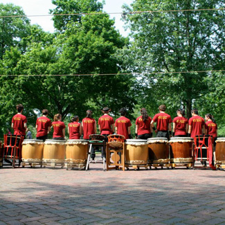 Taiko drummers and drums.