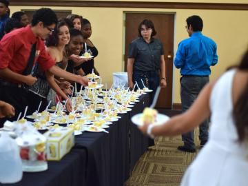 Students gather for dessert