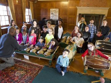 Image of students playing gamelan