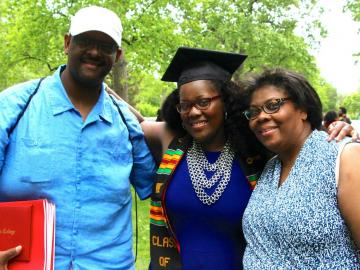 Ambre Dromgoole '15 with her parents