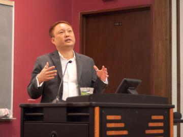 Eric Estes at podium