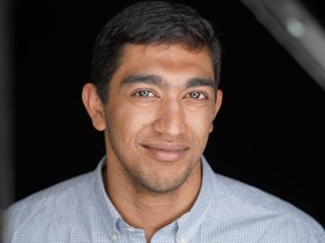 Headshot of Manickam Manickam