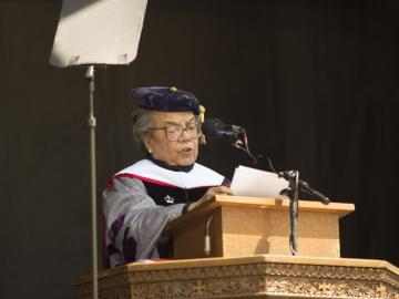 Marian Wright Edelman giving commencement address