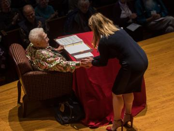 an Oberlin Conservatory singer shakes hands with opera legend Marilyn Horne