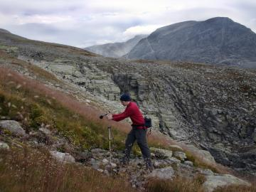 Peter Swendsen recording sounds of nature tin the mountains of Norway