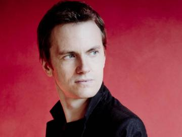 photo of pianist Alexandre Tharaud