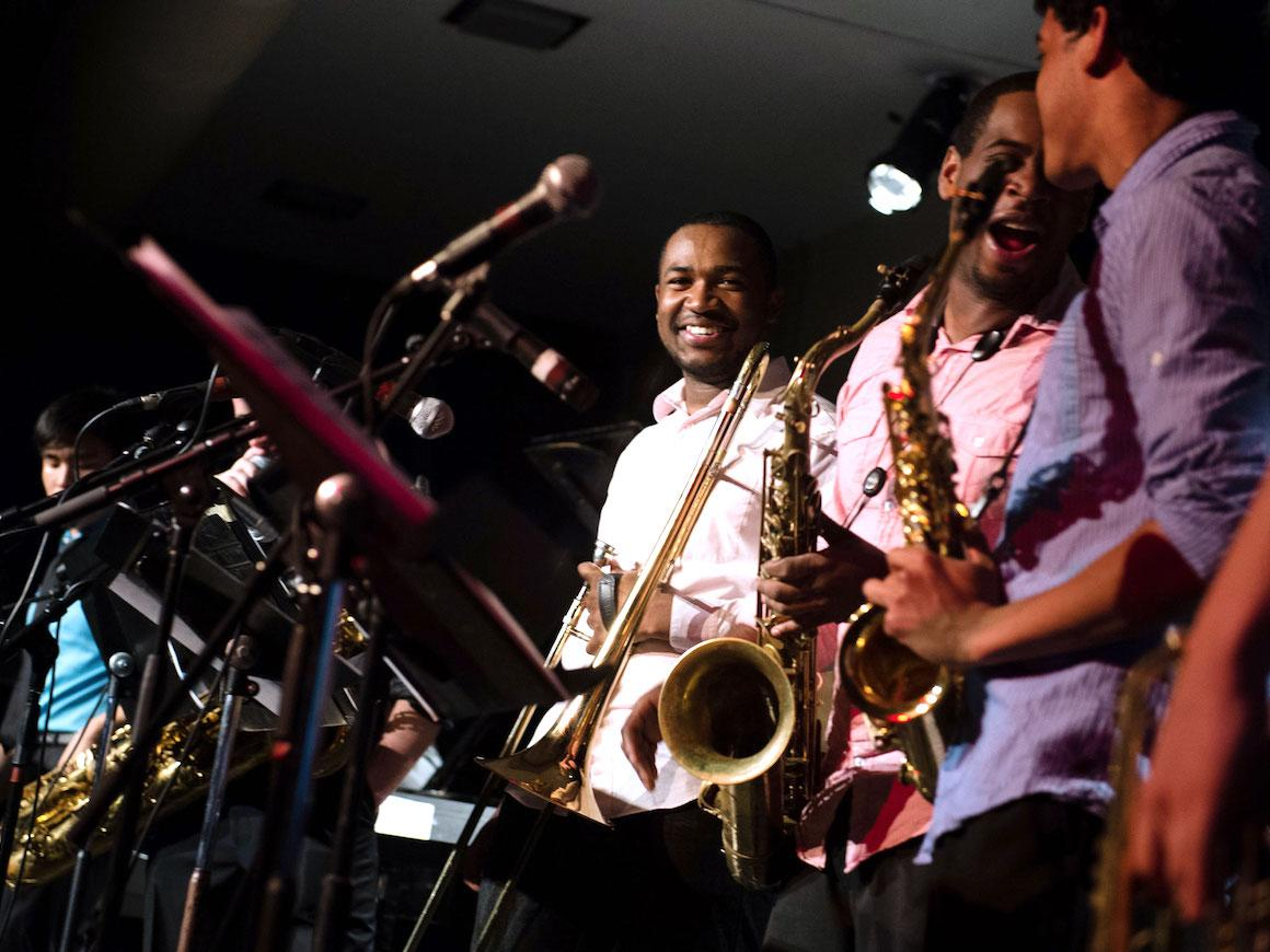 photo of jazz students performing in college club
