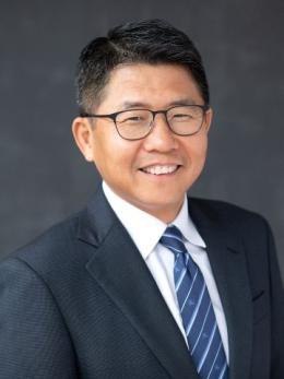 Photo of Jun Yang