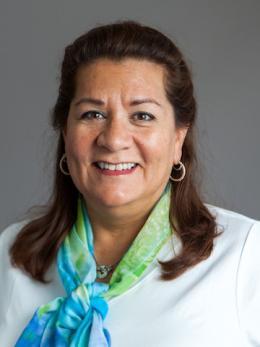 Head shot photograph of Laura Krupelak.