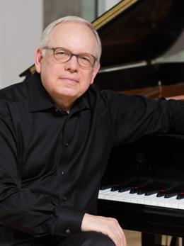 Photo of Peter Takács