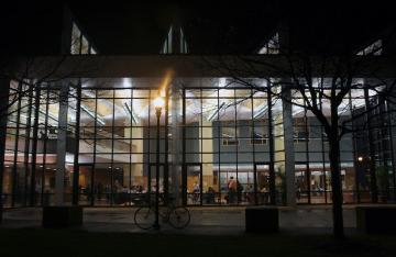 Photo of Oberlin Science Center at night