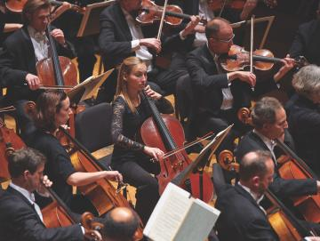 members of Cleveland Orchestra in finney chapel stage