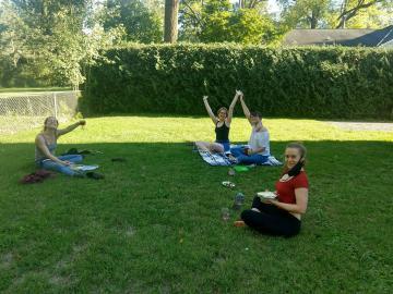 socially distanced backyard picnic