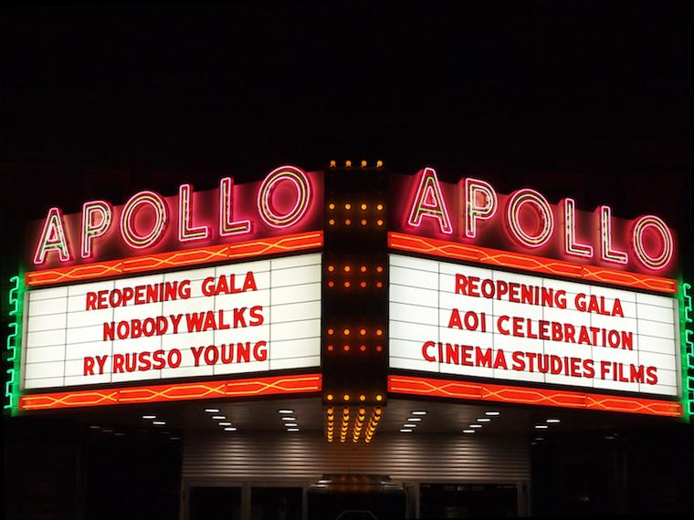 Photo of the Apollo Theatre Marquee