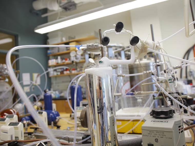 Photograph of instruments in the chemistry lab.