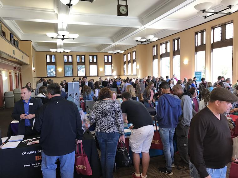 Picture of attendees to the 2016 Performing Arts College Fair.