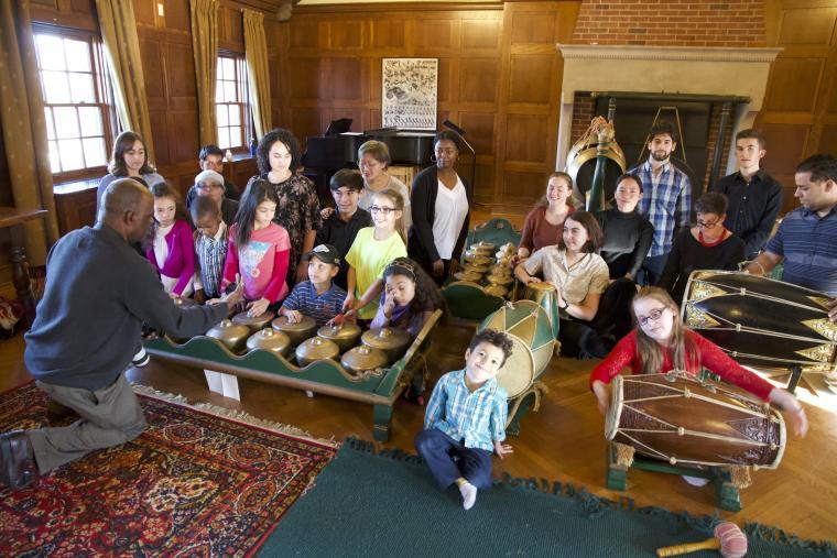 Image of students playing gamelan