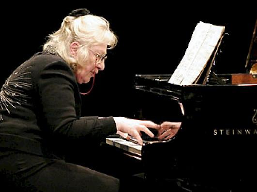 Ursula Oppens playing piano