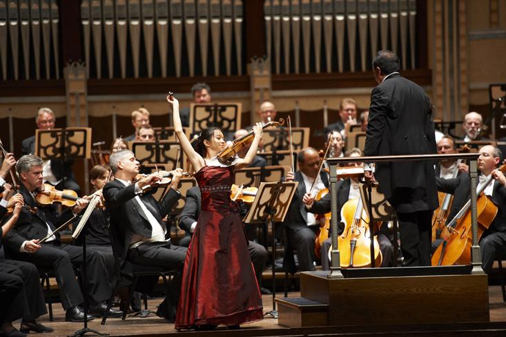 Sirena Huang performs with the Cleveland Orchestra