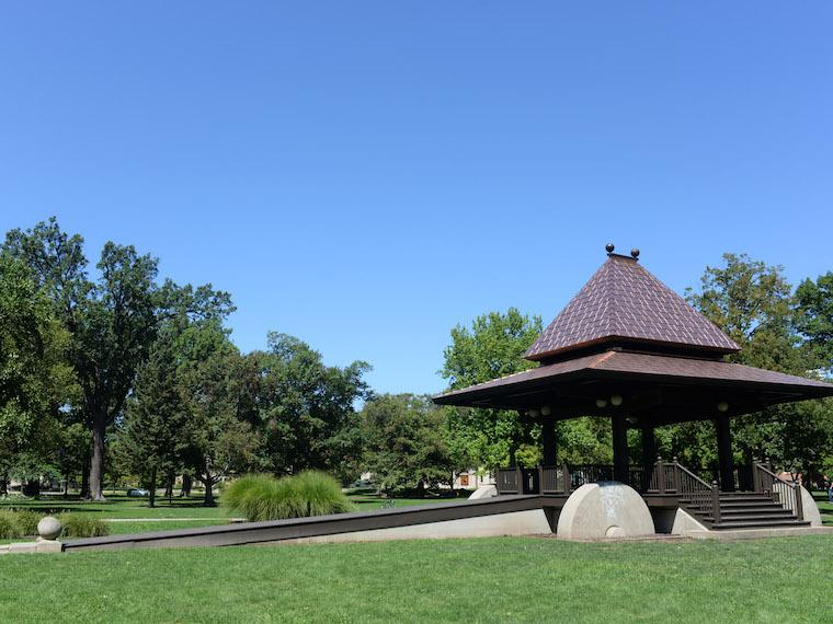 Photo of Clark Bandstand in Tappan Square.