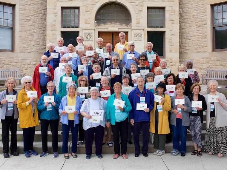 Photo of Class of 1962 with cards at CRW 2017