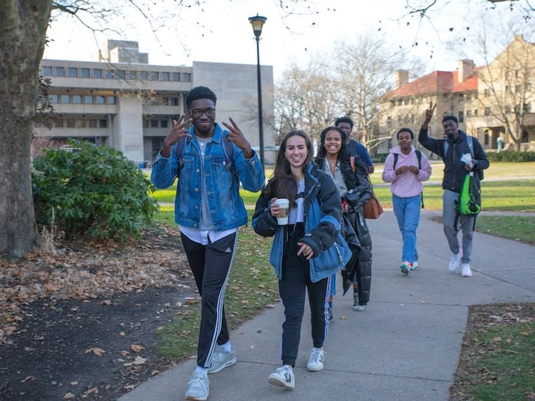 Students walking together in Wilder Bowl